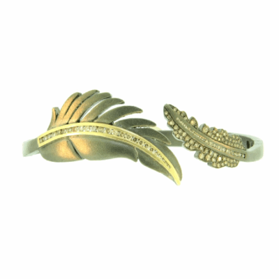 Closeup photo of LEAF BANGLE