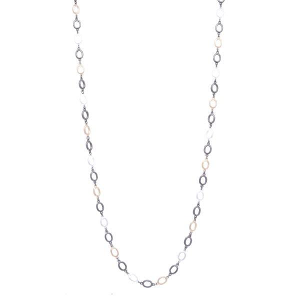 """Closeup photo of Tri Color Oval Link Chain 18"""""""