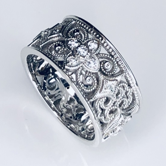 Closeup photo of 18K White Gold Wide Band Ring .36tcw diamonds, 8.2g, size 6.25