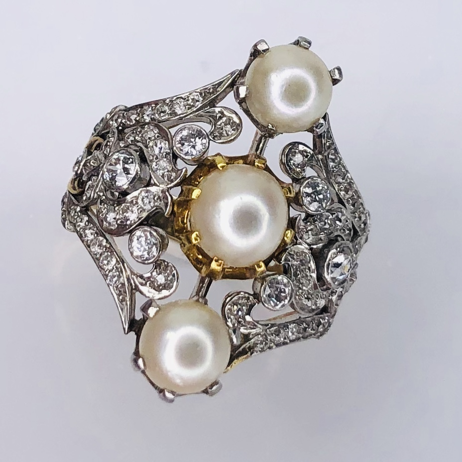 Platinum on Gold Late Victorian/Edwardian Ring 3 Pearls & 1.10tcw diamonds s8.5
