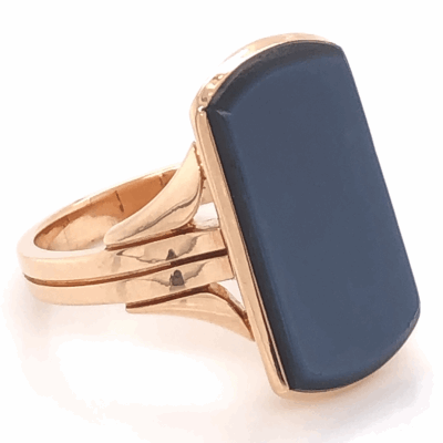 Closeup photo of 18K Yellow Gold Victorian Agate Signet Ring, c1880, s6