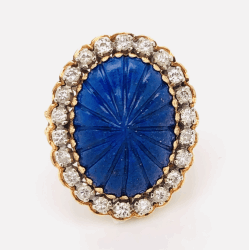 Closeup photo of 18K Yellow Gold Carved Cabochon Lapis Lazuli & .45tcw diamond Ring 9.3g, s5.5