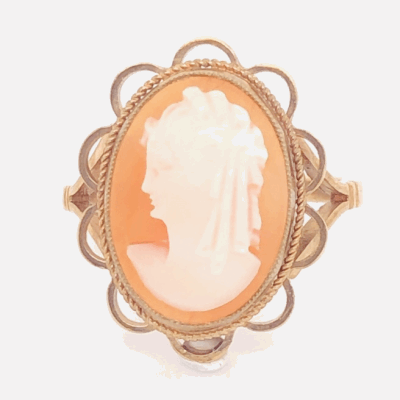 Closeup photo of 9ct Yellow Gold Victorian Shell Cameo Ring 3.0g, s5.25