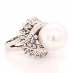 Closeup photo of 14K White Gold Bombay 10mm Pearl & .25tcw Diamond Ring 9.4g, s4.75
