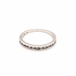Closeup photo of Platinum 12 Diamond Wedding Band Ring .15tcw, 2.1g, s5