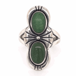 "Closeup photo of 925 Sterling Vintage Native 2 Green Stone Ring 6.6g, s7.25 1 1/8"" Long"