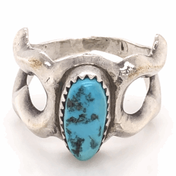 "Closeup photo of 925 Sterling Vintage Native Turquoise Owl Ring signed H Y, 9.2g, s8, 5/8"" Wide"