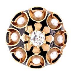 Closeup photo of 14K Yellow Gold 1940's Pearl & .43tcw Diamonds Ring