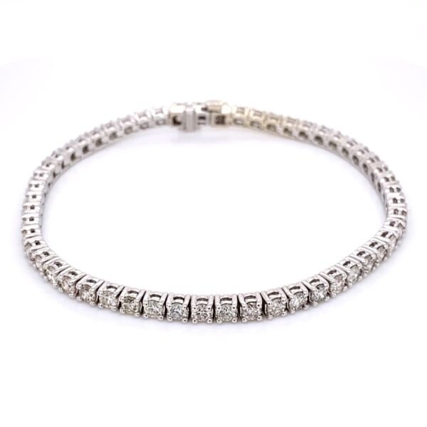 Closeup photo of 14K White Gold Straight Line Diamond Tennis Bracelet 5.12tcw 7""