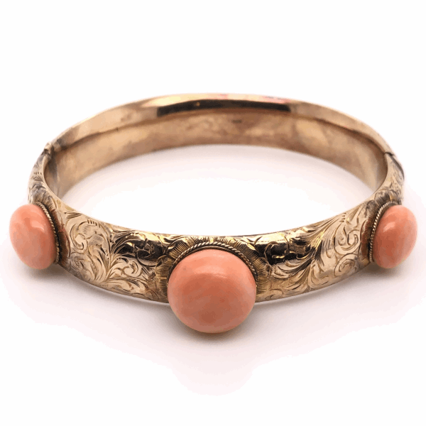 Closeup photo of 14K Yellow Gold Victorian 3 Coral Bangle 20tcw, 25.9g, s7.5""