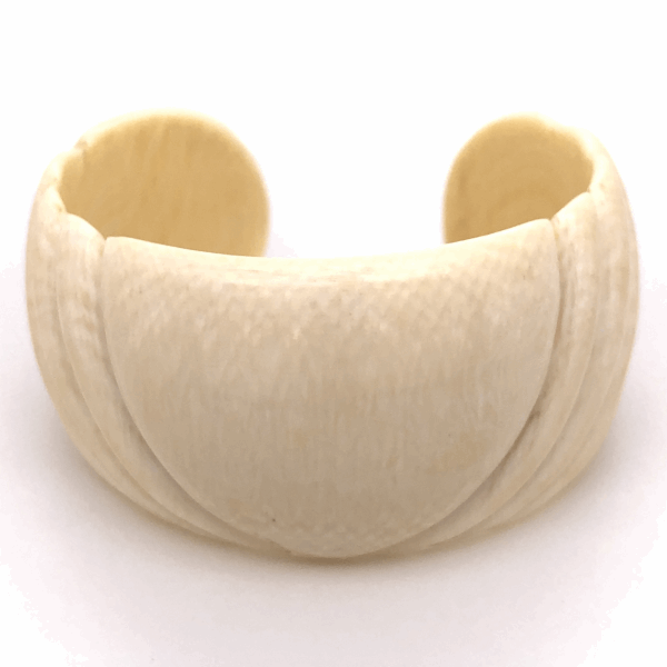 "Closeup photo of Natural Bone Cuff 1-1/8"" Wide Size s6, 26.5g"