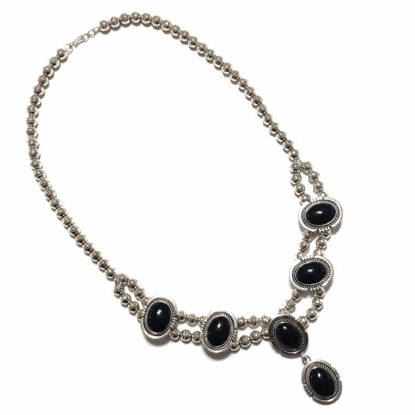 "Closeup photo of 925 Sterling Native 6 Oval Onyx Stone Station Necklace E. SPENCER 76.0g, 20"" Long"
