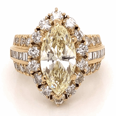 Closeup photo of 18K Yellow Gold 4.03ct Marquise Natural Diamond with 2.19tcw side Diamonds 15.2g, s6.75