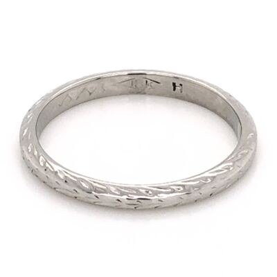 Closeup photo of 18K White Gold Art Deco Engraved Band Ring 2.1g, s6.25