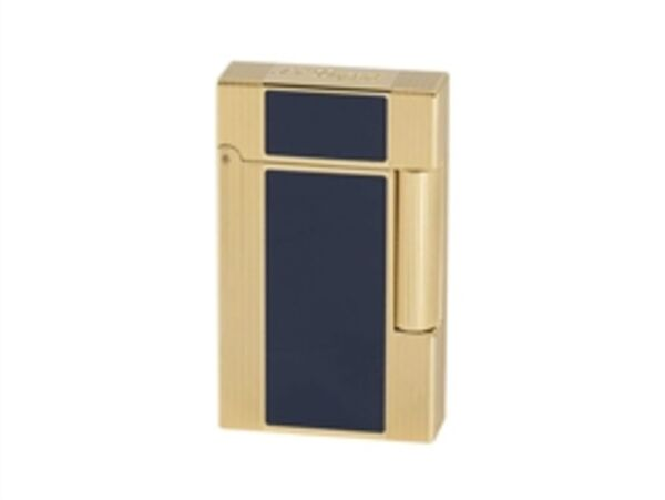 Closeup photo of S.T. Dupont Ligne 2 Windsor Lighter Lacquer/Gold