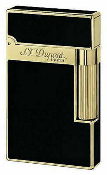 Closeup photo of S.t. Dupont Ligne 2 Lacquer Gold Lighter - 16884