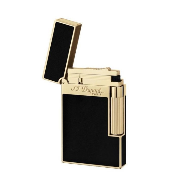 Closeup photo of S.t. Dupont Ligne 2 Lighter Black Lacquer/Gold