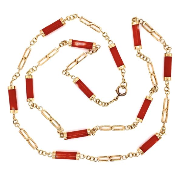 """Closeup photo of 14K Yellow Gold Coral Barrel Link Necklace 15.2g, 24"""" Long"""