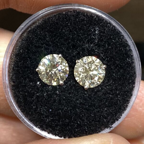 Closeup photo of 1.87tcw Natural Round Brilliant Diamond Stud Earrings I-SI3