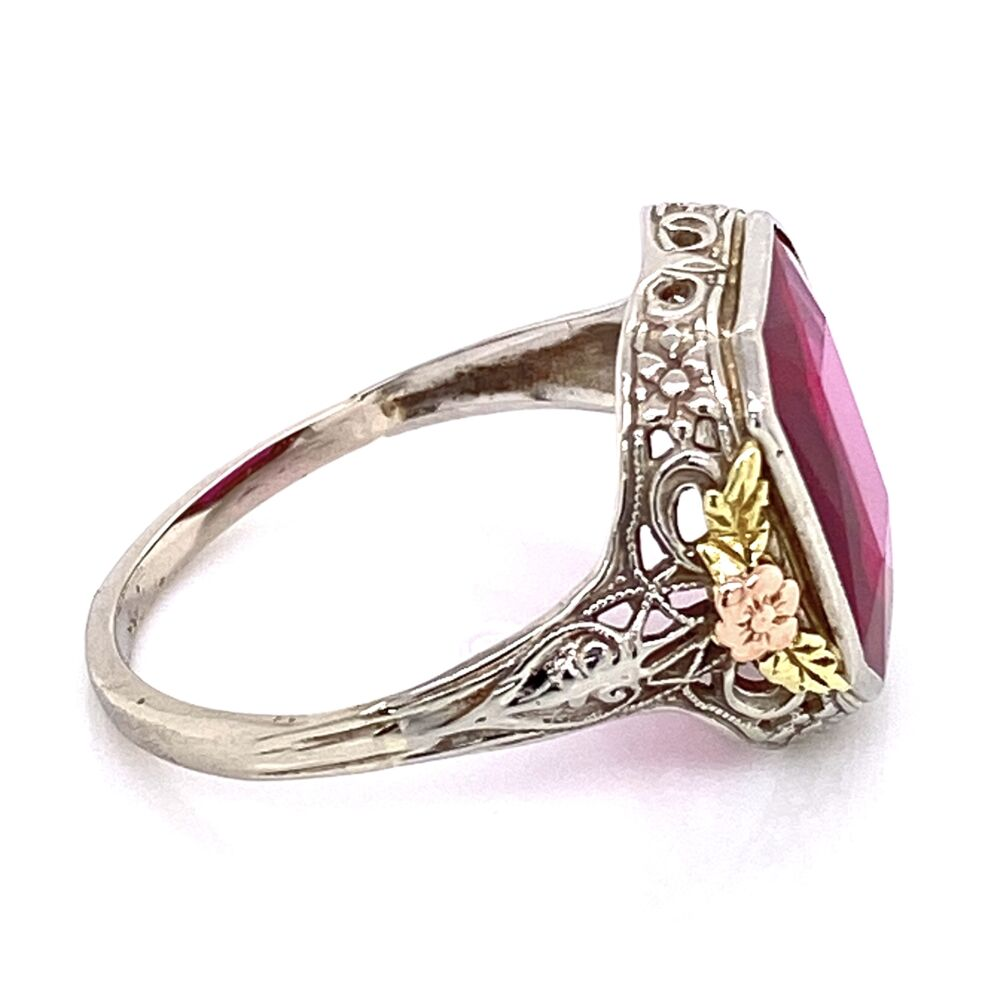 Image 2 for 14K Tri Gold Art Deco Filigree Large Red Stone Ring 3.05g, s7.75