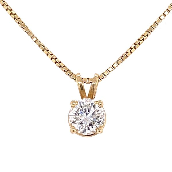 "Closeup photo of 14K Yellow Gold .91ct Round Diamond Solitaire on 18"" box chain 6.2g"