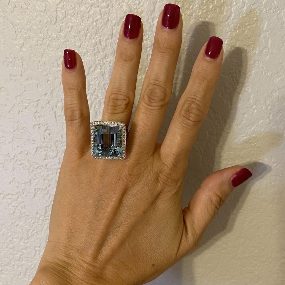 Image 2 for 18K WG 29.93ct  Emerald Cut Aquamarine & 1.23tcw Diamond Ring 20.0g, s7