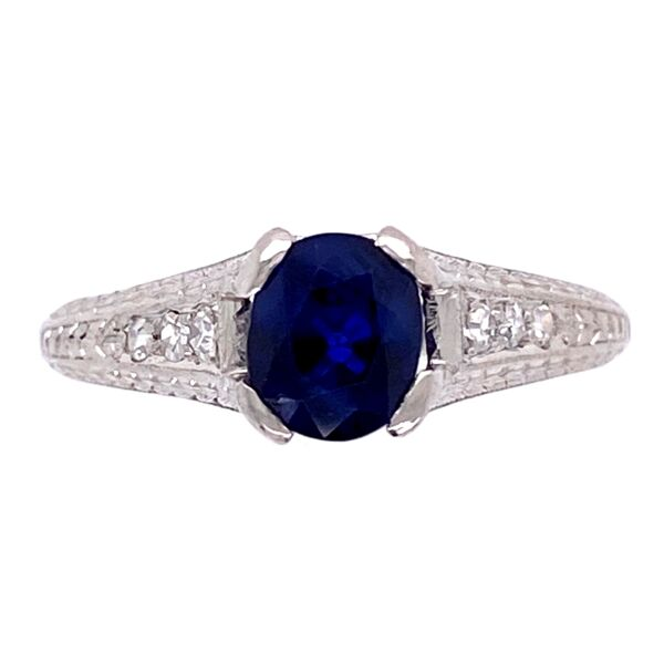 Closeup photo of Platinum Art Deco 1.05ct Sapphire & .08tcw Diamond Ring 3.6g, s
