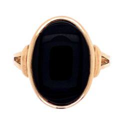 Closeup photo of 10K YG Oval Onyx Slab Pinky Ring Victorian Revival