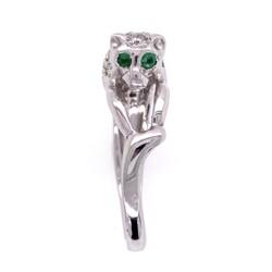 Closeup photo of 18K White Gold Panther Diamond Ring, Emerald Eyes 6.2g