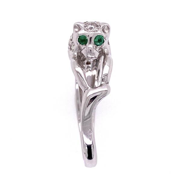 Closeup photo of 18K White Gold Panther Diamond Ring, Emerald Eyes 6.2g