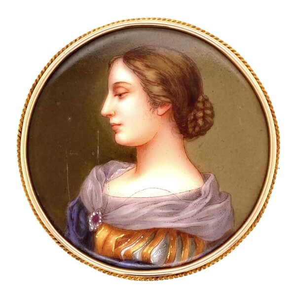 "Closeup photo of 18K YG Victorian Hand Painted Portrait Brooch 2.25"" Diameter"