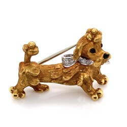 Closeup photo of 18K YG CARTIER Italy Dog Brooch Revolving Head Onyx & Diamond Collar 9.8g, c1970