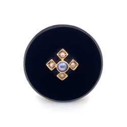 Closeup photo of 14K YG Victorian Onyx & Seed Pearl Brooch Pin 6.1g, 25mm