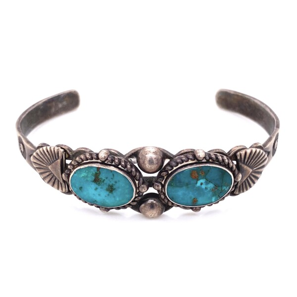 Closeup photo of 925 Sterling Native 2 Turquoise Cuff 18.0g