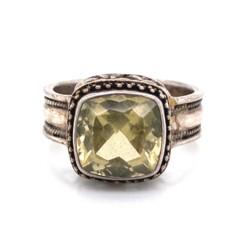 Closeup photo of 925 Sterling Square Citrine Milgrain Ring 7.7g, s9