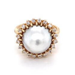 Closeup photo of 14K YG Mabe Pearl & .35tcw Diamond Ring 6.8g, s7.75