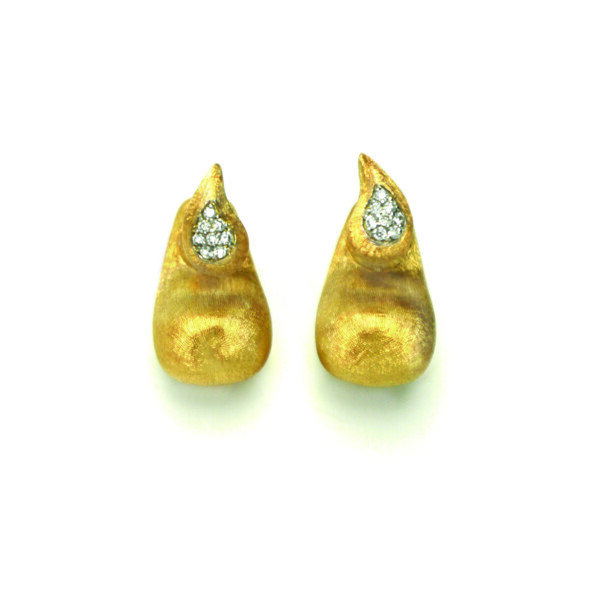 Closeup photo of Cachimere Multiwear Earrings