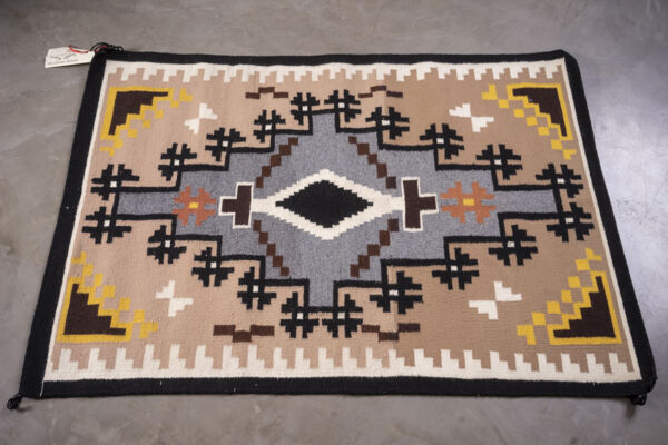 Closeup photo of Rug Cn25 Two Grey Hills
