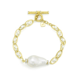 Closeup photo of Single Baroque Pearl Chain Bracelet With Diamonds