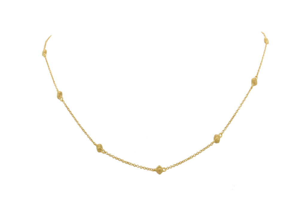 Dainty Chain With Cushion Stations