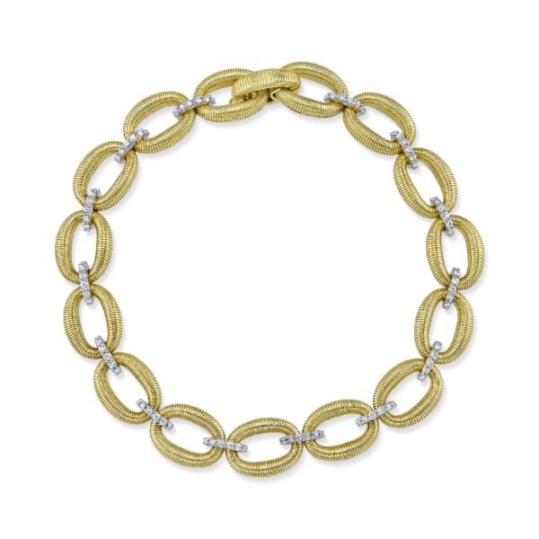 Closeup photo of Strie Donut Link Bracelet With Diamonds