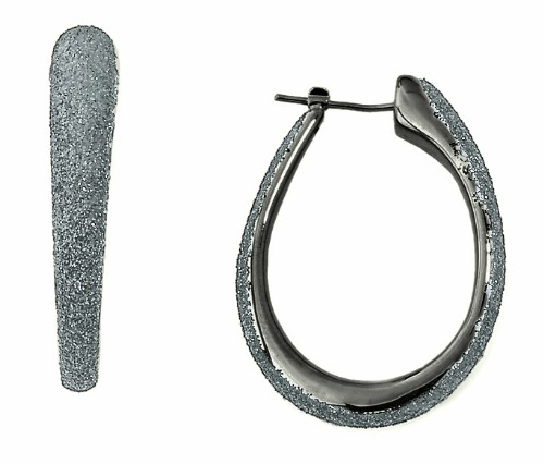 Closeup photo of Polvere Earrings