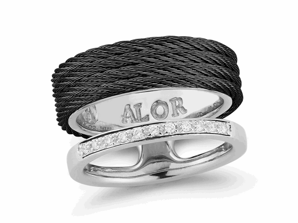 Noir Asymmetrical Band Ring