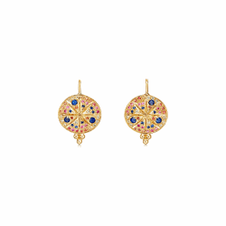Closeup photo of 18k Yellow Gold Pave Sorcerer Earring