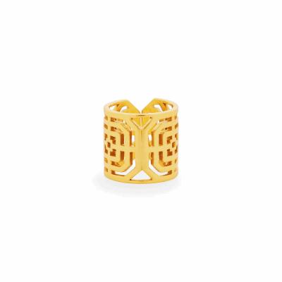 Closeup photo of Geneva Ring Gold