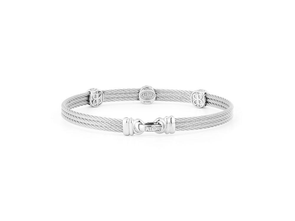 Image 2 for Classique Three Circled Station Bangle