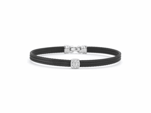 Closeup photo of Noir Single Squared Station Bangle