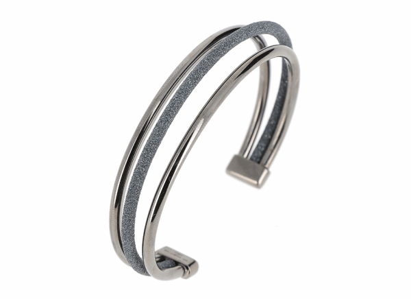Closeup photo of Multiline Polvere Di Sogni Cuff - Ruthenium & Dark Gray Dust