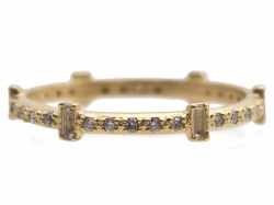 Closeup photo of 18k Yellow Gold Ring - 13537