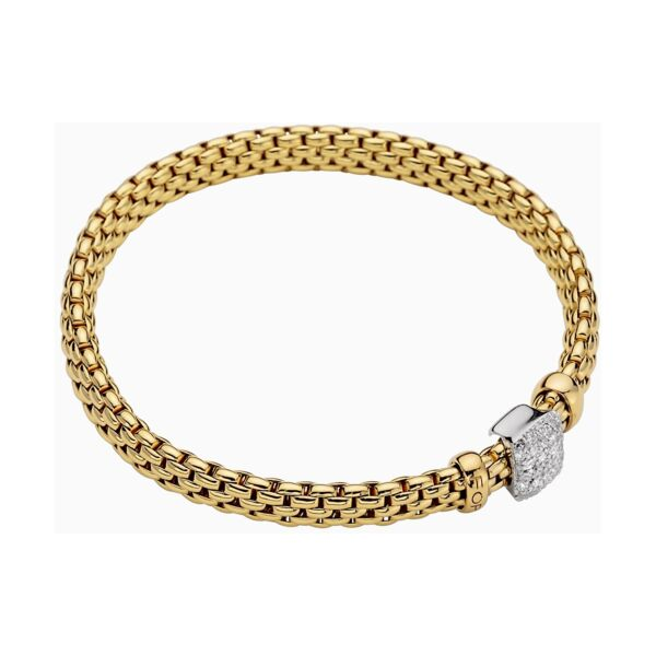 Closeup photo of 18k Gold Flex'it Bracelet with Diamonds 561BPAVE